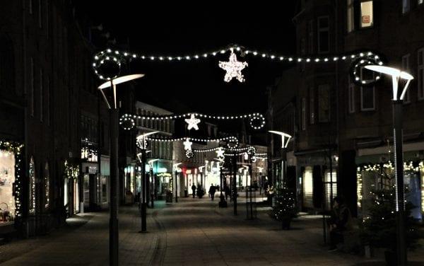 Julen lyser op i Kalundborg bymidte.