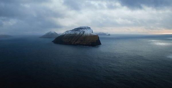 Se Øboerne & Hvalerne i Gimle:Dox