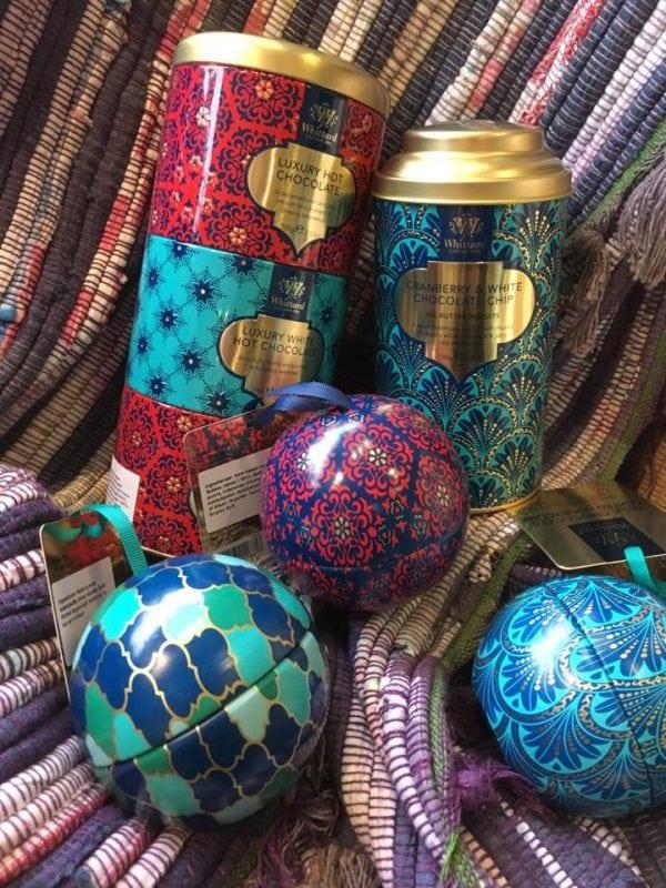 Skønne engelske dåser i Jule Pop-up Shoppen