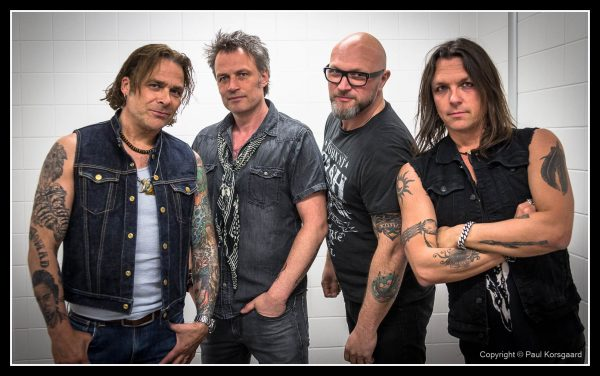 Mike Tramp med Band